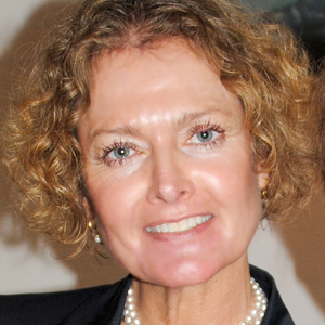 Dr. Karen Freijer